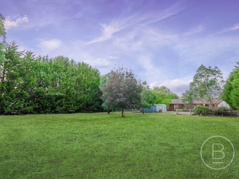 23 Newnham Drive, Romsey, Vic 3434