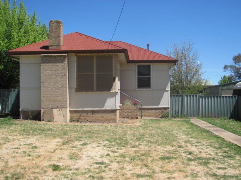 96  Binalong Street, Harden, NSW 2587