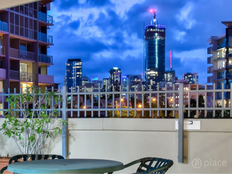 816/188 Shafston Avenue, Kangaroo Point, Qld 4169