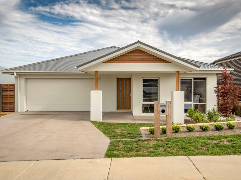 14 Feagan Street, Googong, NSW 2620