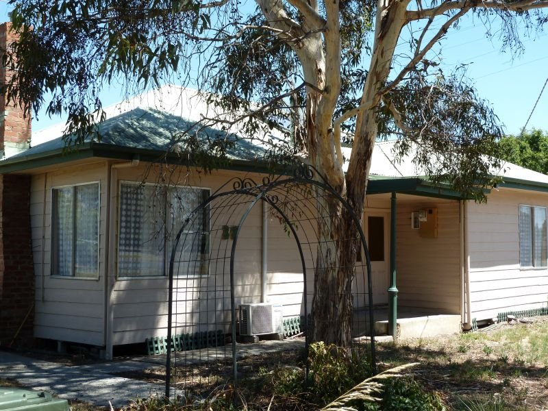 38 Talbot Road Clunes Vic 3370 Property Details