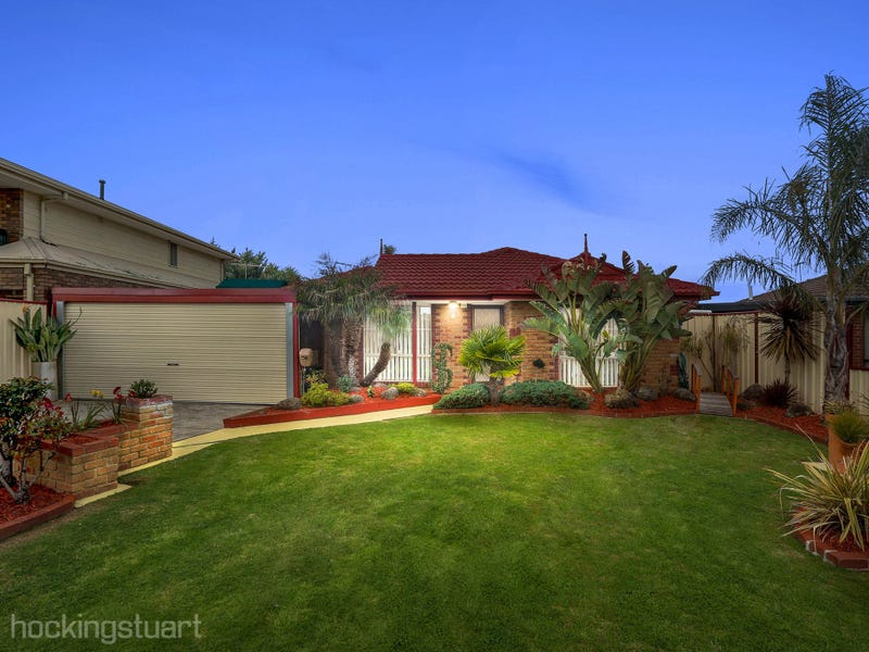 4 St Lawrence Close, Werribee