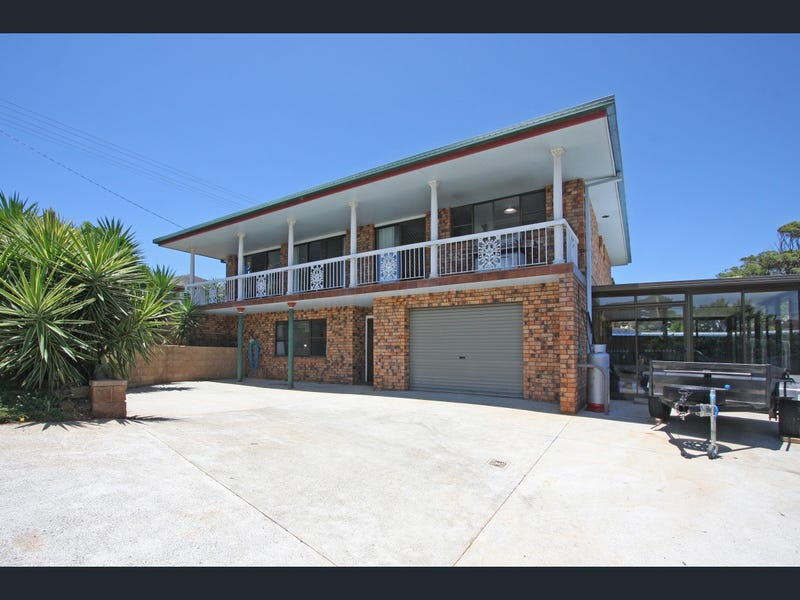 11 Kennedy Drive, Port Macquarie