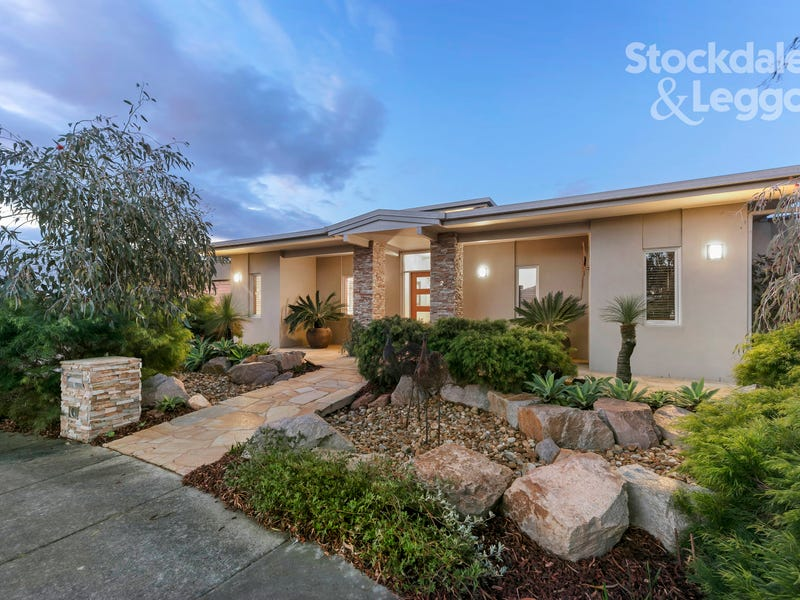 2 Burridge Court, Botanic Ridge