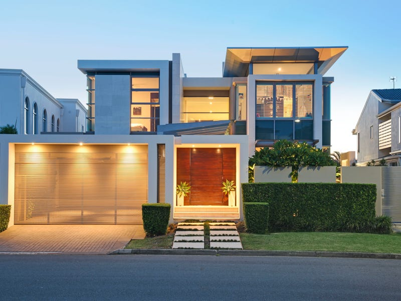 107 Commodore Drive, Paradise Waters