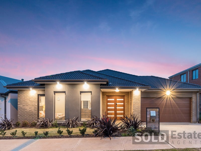 8  Barrier Parade, Clyde North