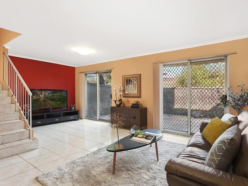 2/47 Wentworth Avenue, Westmead