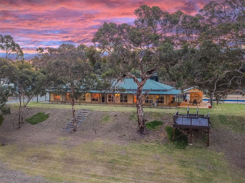 470 Mosquito Hill Road, Mosquito Hill