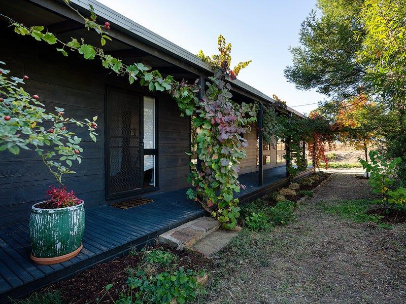 17 Fryers Road, Campbells Creek, Vic 3451