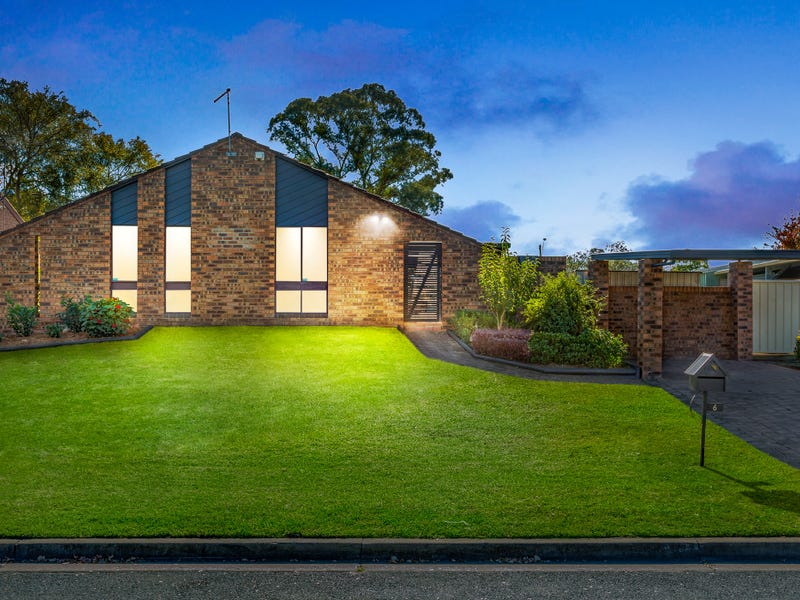 6 Phillip Place, McGraths Hill