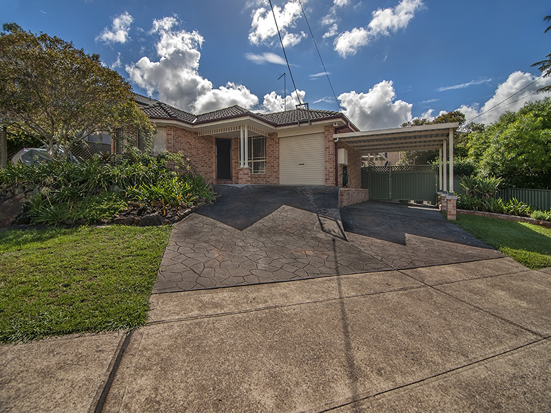 751a Henry Lawson Drive, Picnic Point