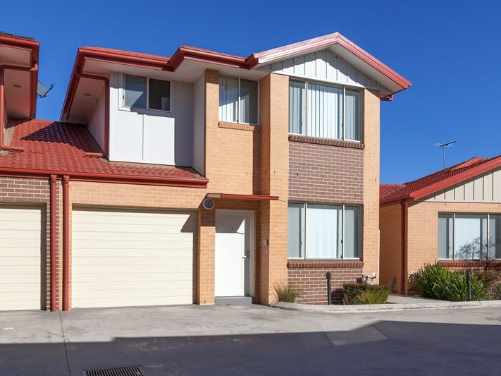 2/221A Waterworth Drive, Mount Annan