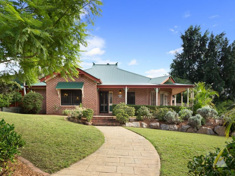 11 Sexton Place, Bellbowrie, Qld 4070
