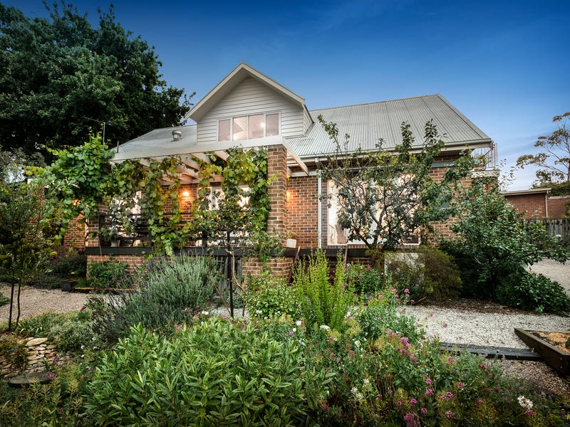 16 Warwick Hill Drive, Point Lonsdale, Vic 3225