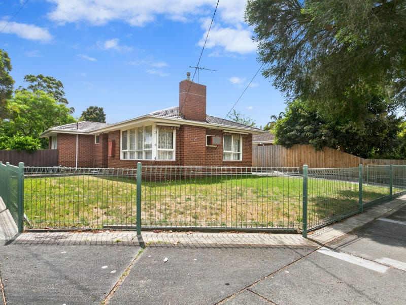 33 Henry Crescent, Seaford