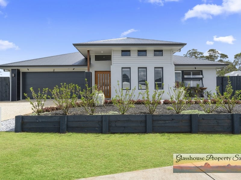 10 Rowley Close Glass House Mountains Qld 4518