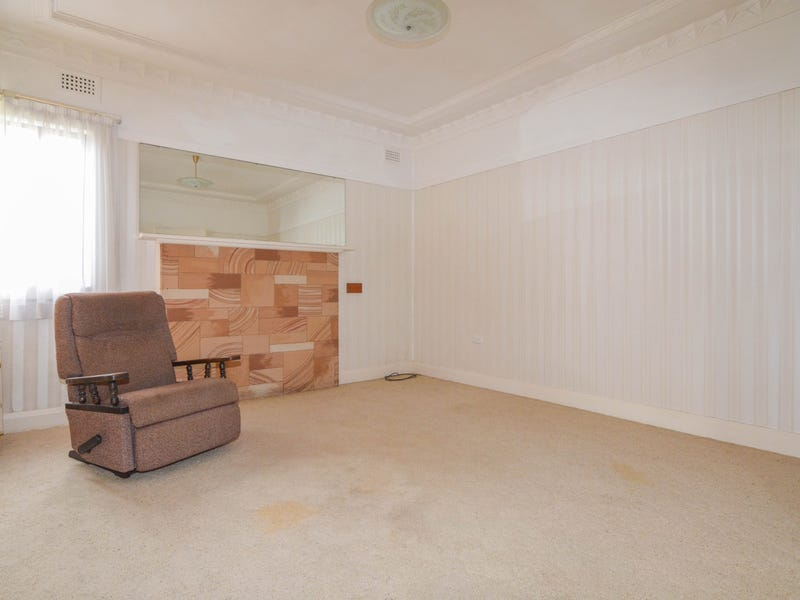 12 Campbell Street, North Gosford, NSW 2250