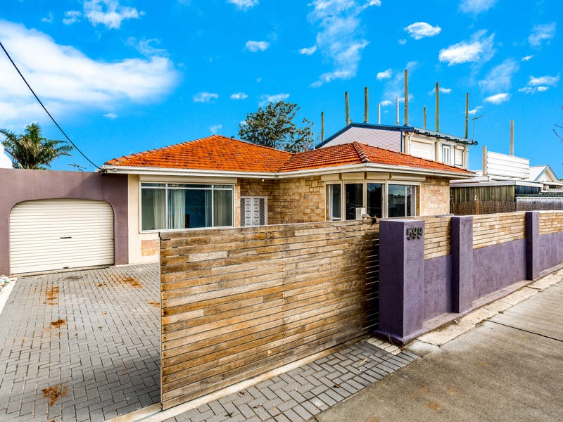 599 Military Road, Largs North