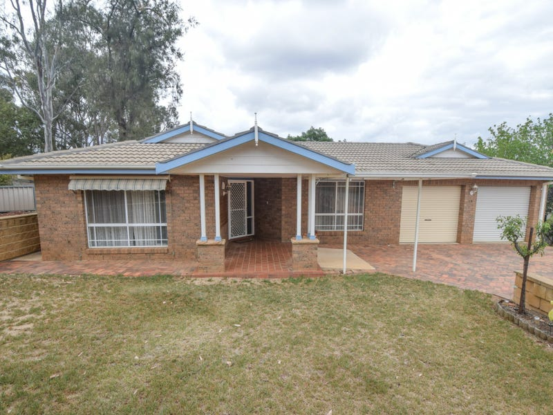 15 Back Creek Road, Young, NSW 2594