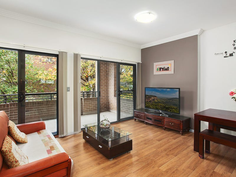 402/3 Clydesdale Place, Pymble