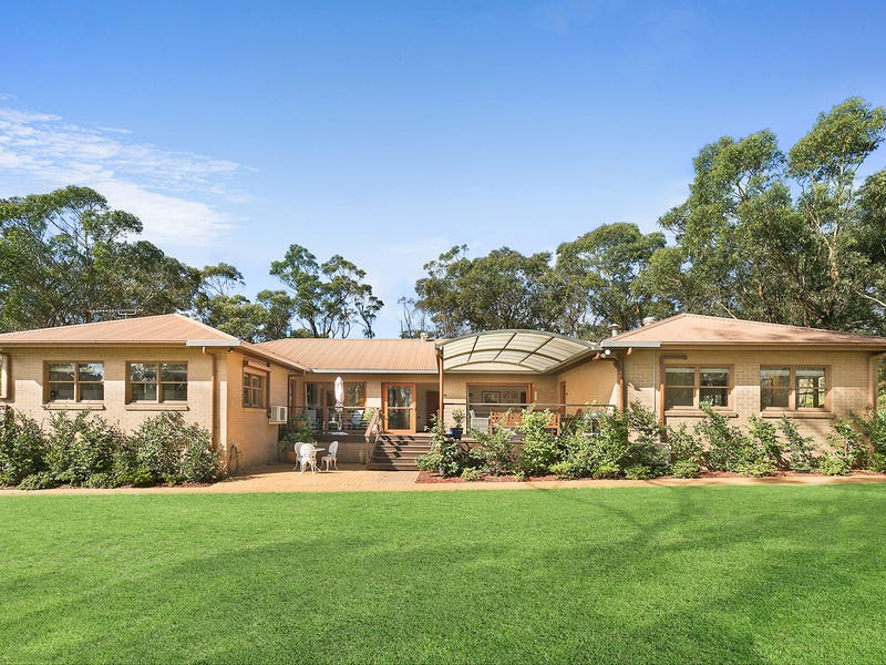 35 Somme Avenue, Wentworth Falls, NSW 2782