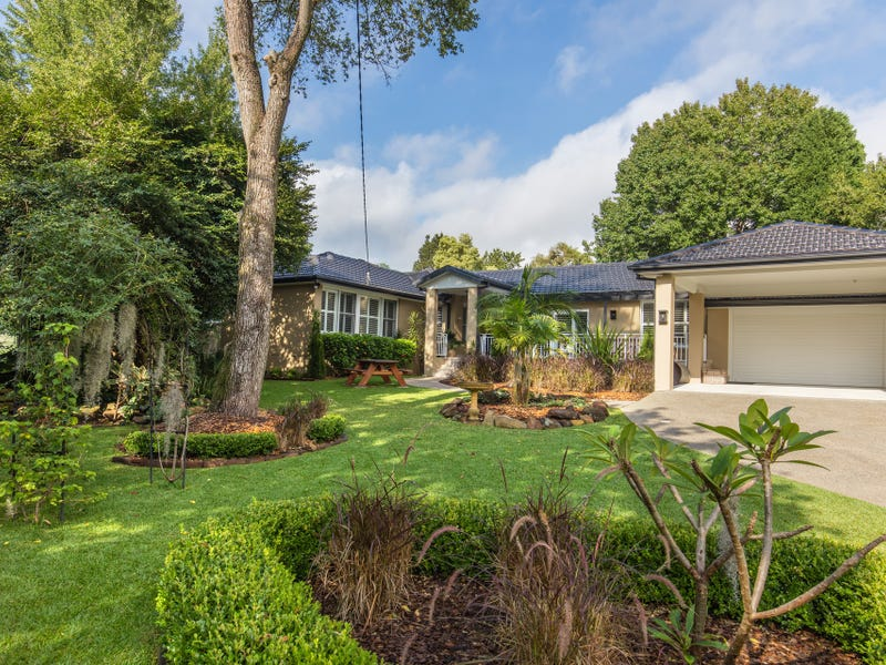 18 Myrtle Place, St Ives, NSW 2075