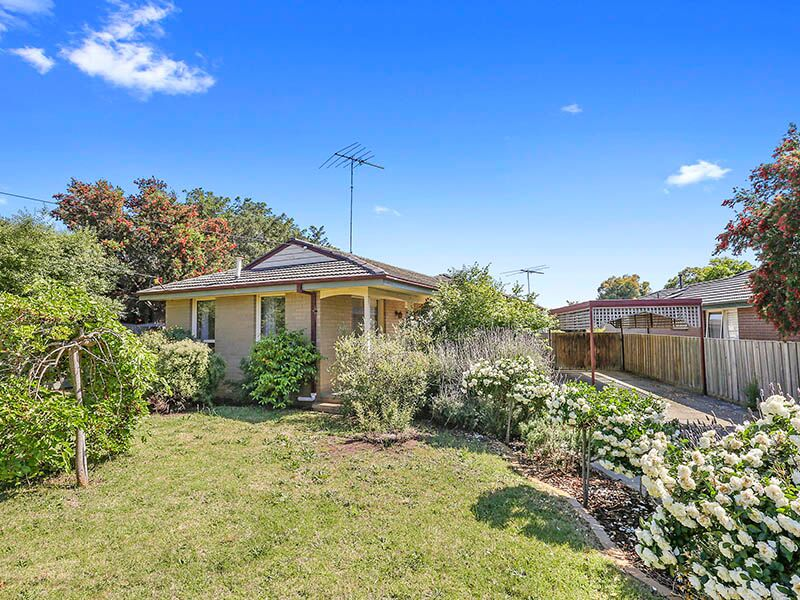 16 Lewis court, Grovedale