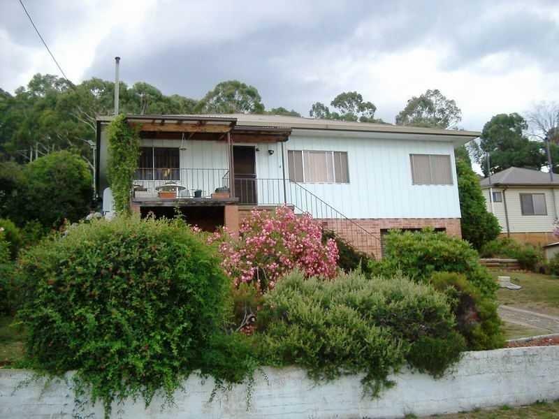 4 Vista Avenue, Batlow, NSW 2730