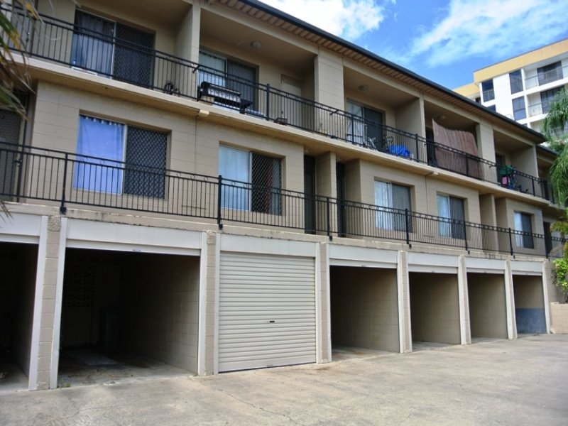 5/2 Bundock Street, Castle Hill, Qld 4810