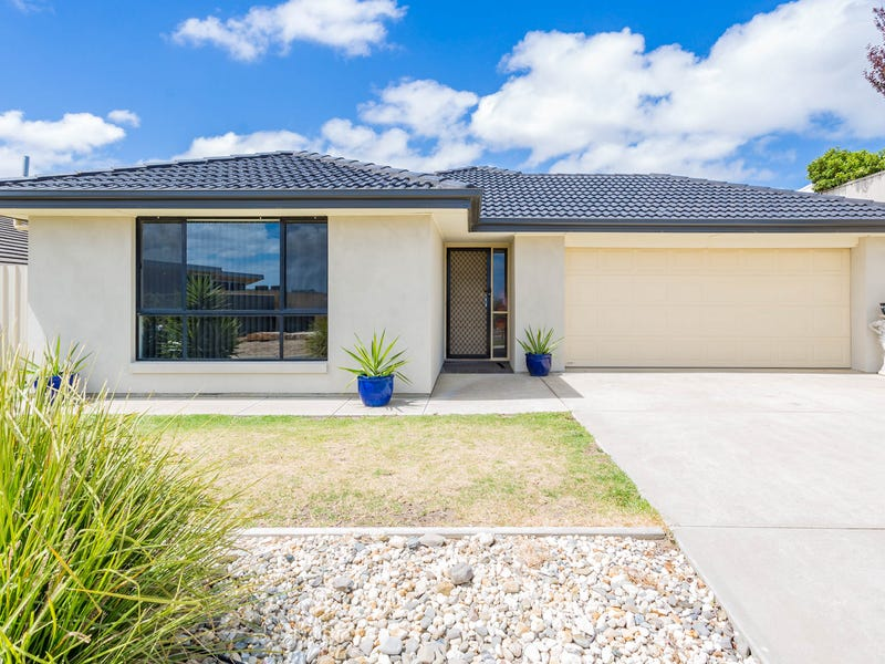 12 Fairway Drive, McCracken