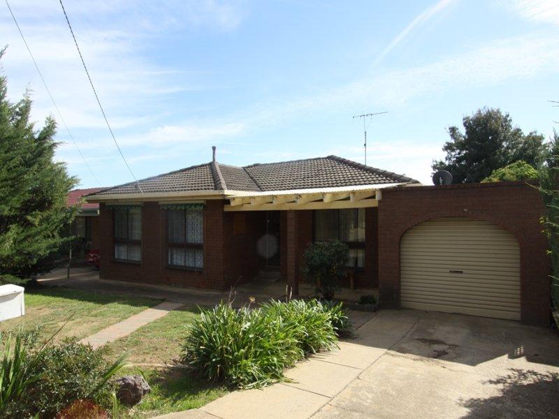 17 Loth Street, Flowerdale, NSW 2650