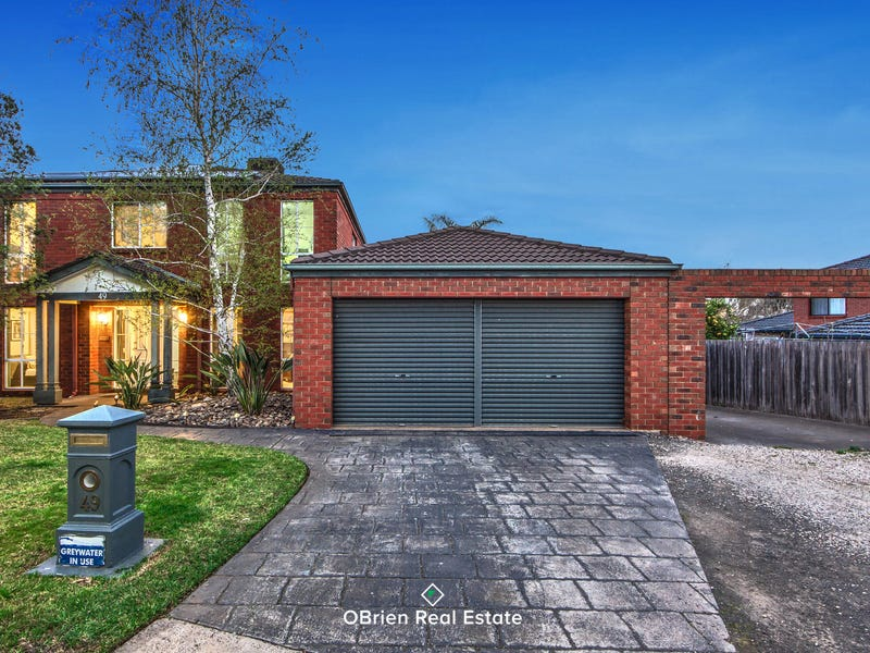 49 Golden Way, Hillside