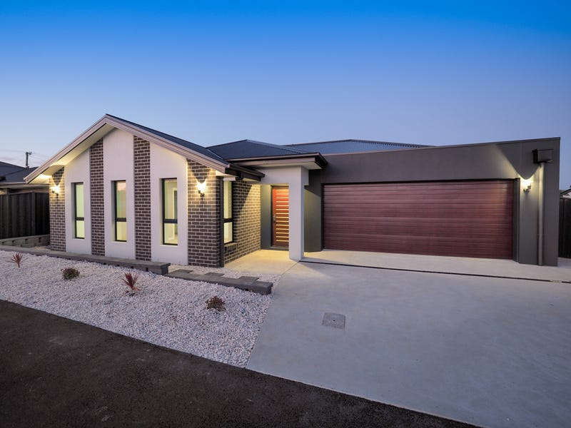 12 Napier Street, Youngtown