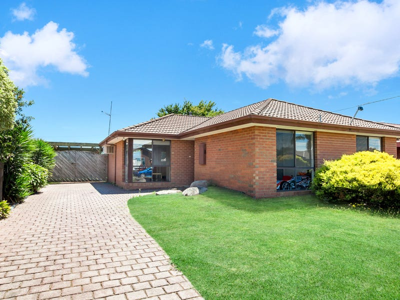 4 Martingale Court, Epping