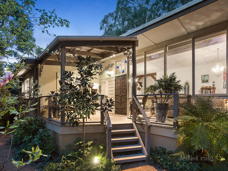 15 Valley Road, Research