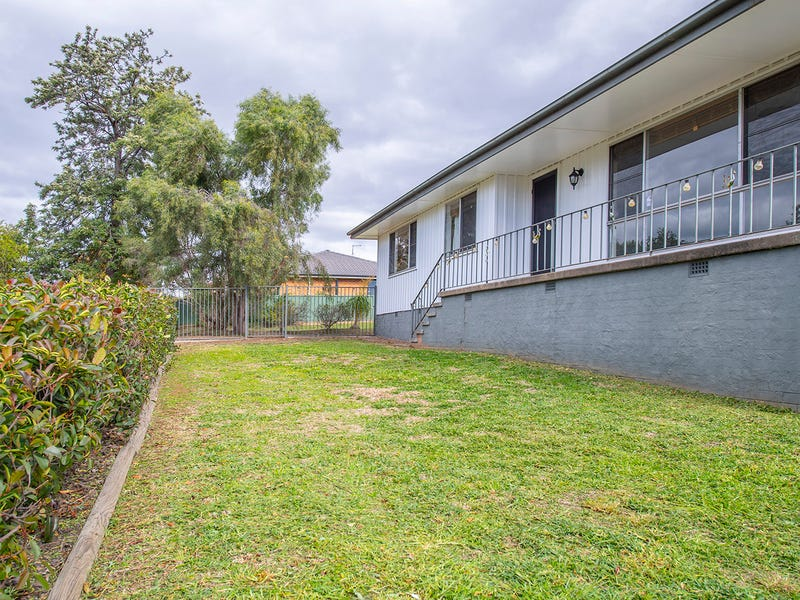2 Bronte Crescent, Muswellbrook, NSW 2333