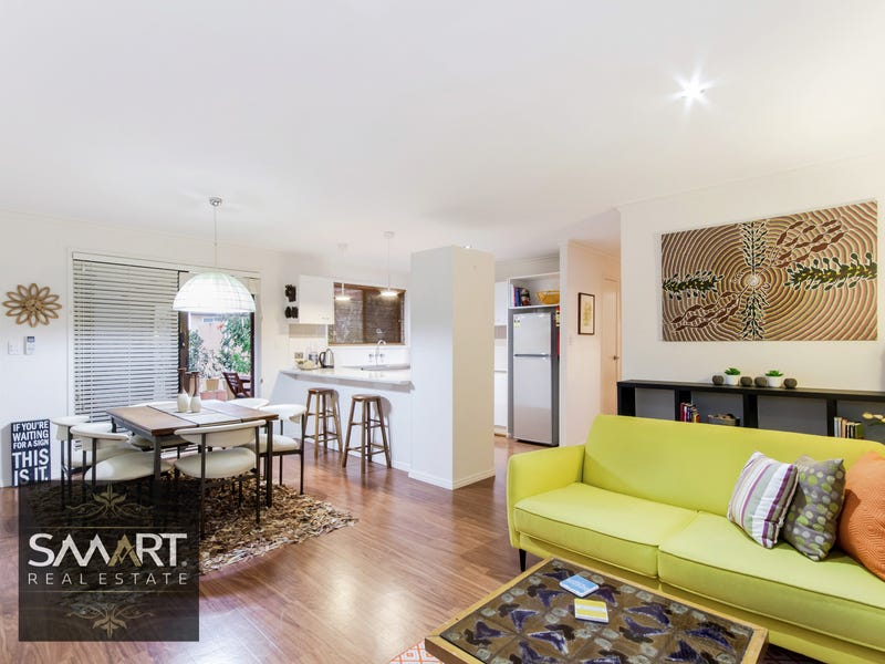 6/4 Rose Street,, Southport