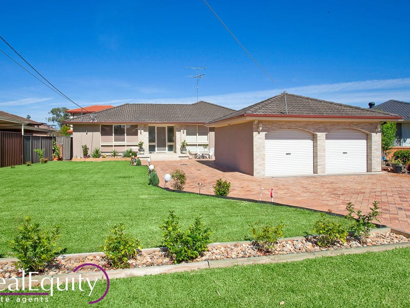 21 Holly Avenue, Chipping Norton