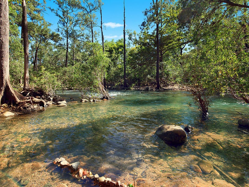 18 Mount Elliot Drive, Alligator Creek, Qld 4816