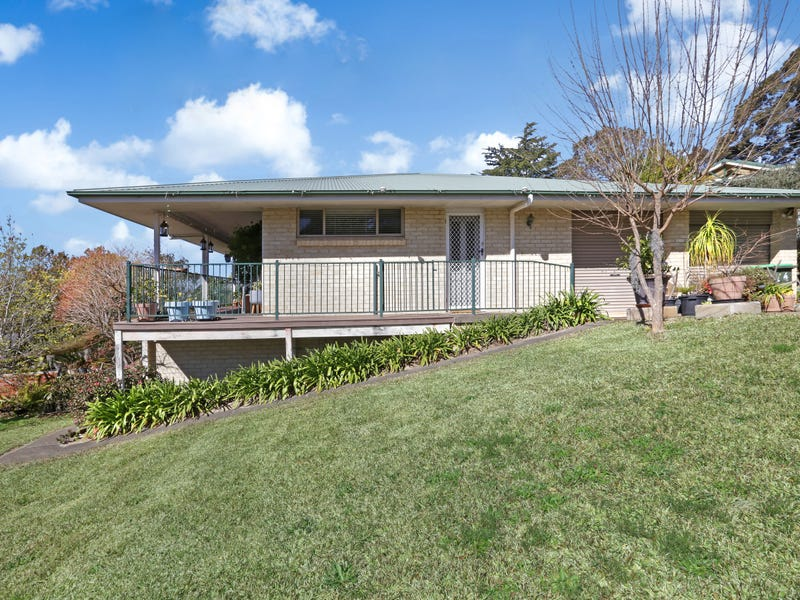 16 Pecks Road, Kurrajong Heights, NSW 2758