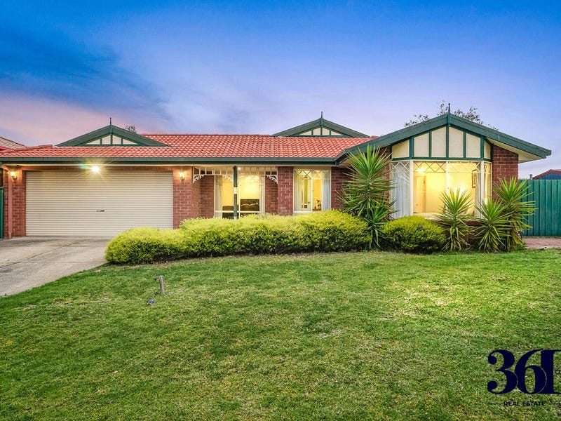 11 CUTHBERT PLACE, Burnside, Vic 3023