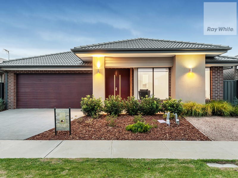 28 Emblem Way, Craigieburn