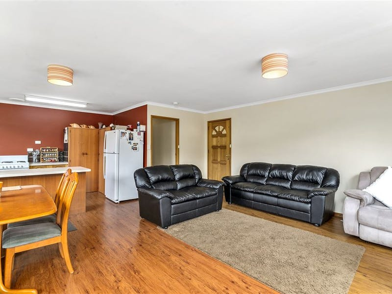 2/1A Browns Road, Kingston