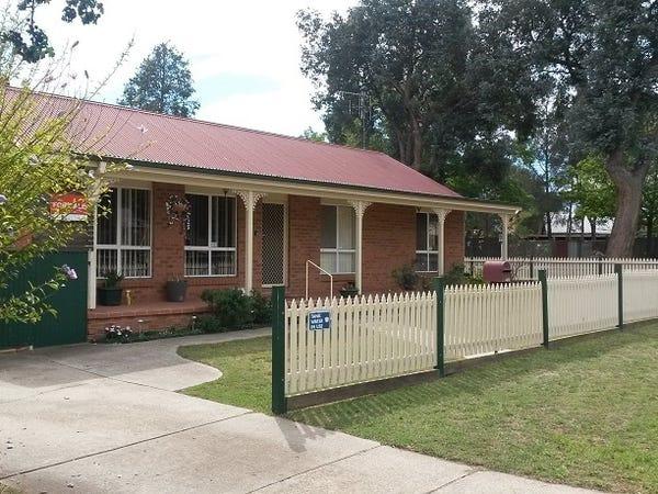 8 Hazel Street, Oaks Estate, ACT 2620 - realestate com au