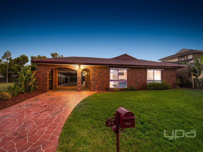 34 Angourie Crescent, Taylors Lakes