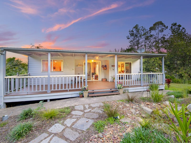 19 Calderwood Road, Landsborough, Qld 4550
