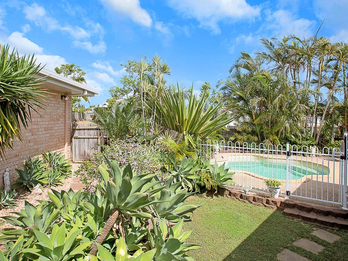 12 Theodore Crescent, Rural View, Qld 4740