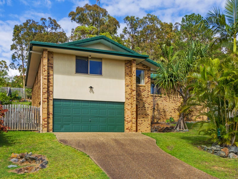 6 Clipperton Chase, Pacific Pines