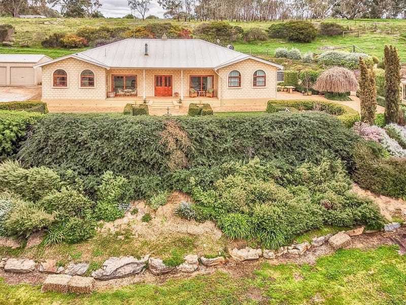83 Sugar Loaf Hill Road, Mount Mckenzie