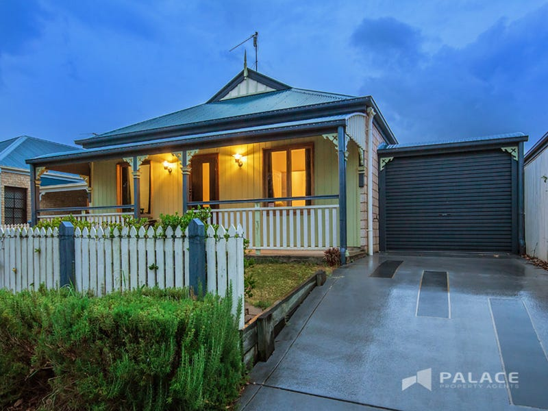 28 Swallowtail Crescent, Springfield Lakes